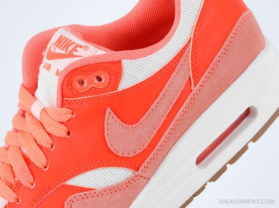 Nike Air Max 1 VNTG Bright Mango Total Crimson