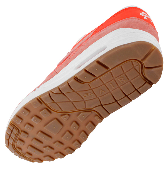buy online ec675 4ef48 good Nike Air Max 1 VNTG Bright Mango Total Crimson