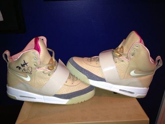 7ba4f3b7eac0b Nike Air Yeezy