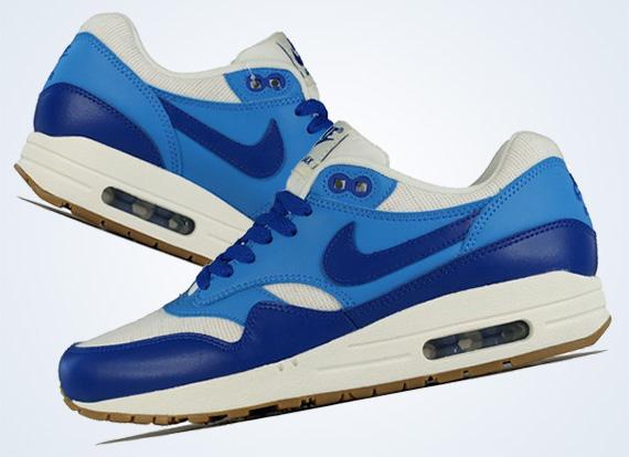 Women's Nike Wmns Air Max 1 Vintage Sail Hyper Blue Sneakers : F31q4014