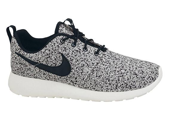 Nike Wmns Roshe Exécuter Speckle Voile Noir