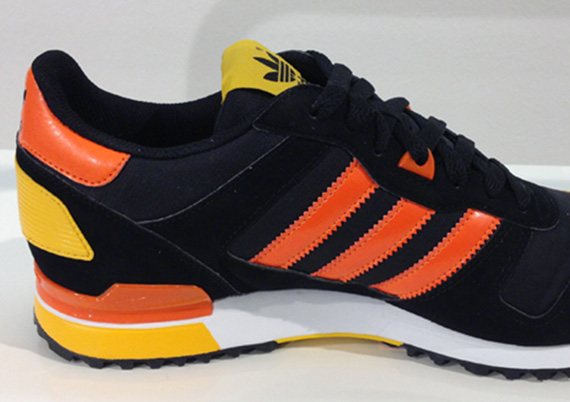 adidas originals mens zx 700 zx750