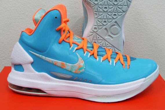 """sports shoes 66c49 d7680 Nike KD V """"Easter"""" – Release Reminder"""