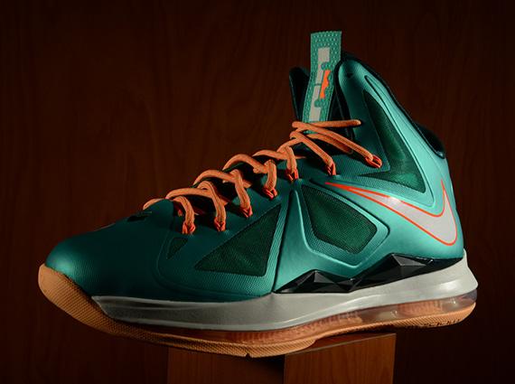 118ea2492690 Nike LeBron X