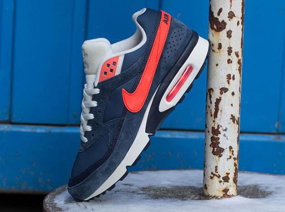purchase cheap bc484 09e51 ... hot nike air classic bw squadron blue total crimson sneakernews 7fce6  36dce