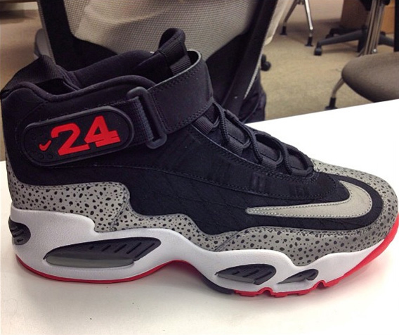 watch 13053 fe21f ... Nike Air Griffey Max 1 Safari - SneakerNews.com ...