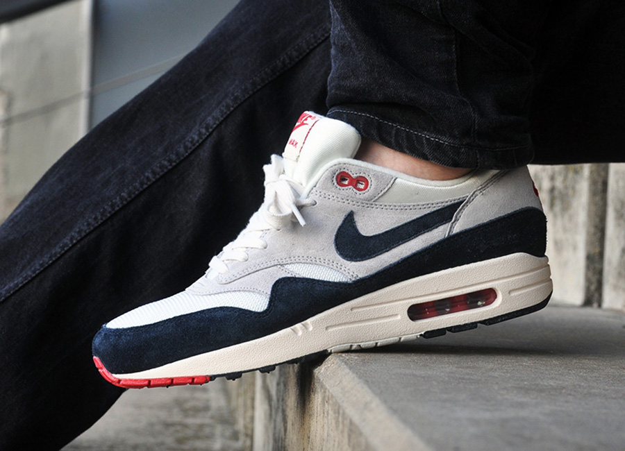... store nike air max 1 og navy red arriving at euro retailers sneakernews  dfd24 9302b 2e47b070d