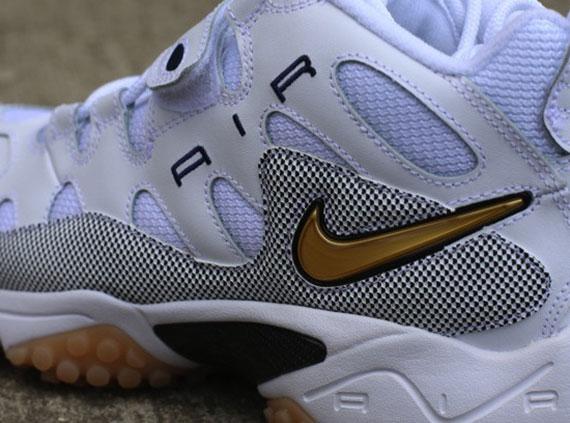Nike Air Turf Raider Shoes