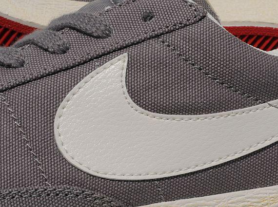 Nike Blazer Low VNTG Canvas - SneakerNews.com 954cc12e58c8
