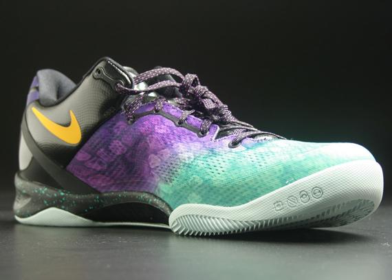 pretty nice b4301 ff7cd Nike Kobe 8