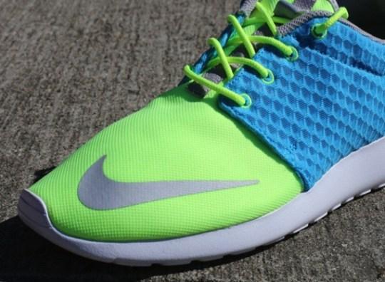 Nike Rosherun FB – Current Blue – Hot Lime – Chrome | Available