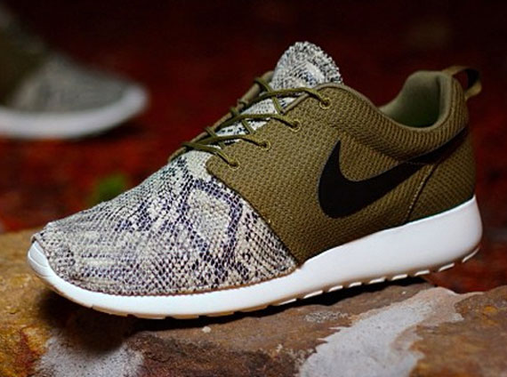 """Nike Roshe Run """"Snakeskin"""" Customs by PKZUNIGA 7322354d70"""