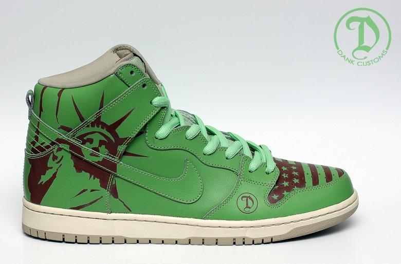 size 40 36b6d 78838 Nike SB Dunk High