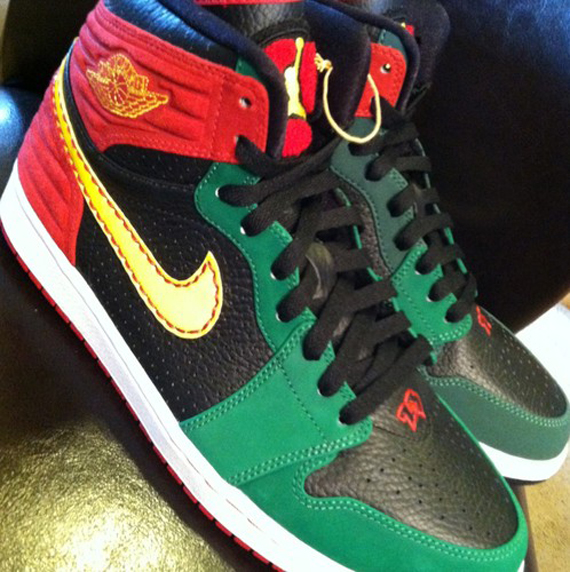 finest selection d0921 93000 Air Jordan 1 Retro  93 - Red - Green - Black   Sample - SneakerNews.com