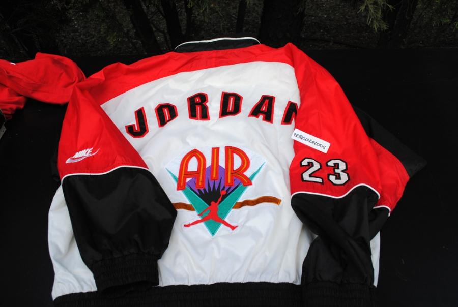 cb2c2044ea1d Air Jordan VII