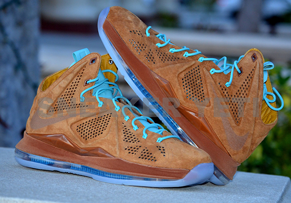 b1b0dff4409a Nike LeBron X
