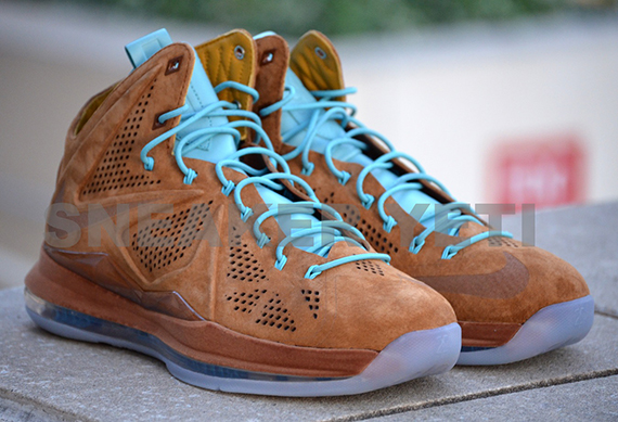 d2b6ba379140 Nike LeBron X