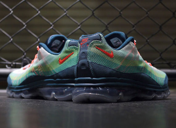 cost charm half price crazy price nike air max 95 dynamic flywire on feet