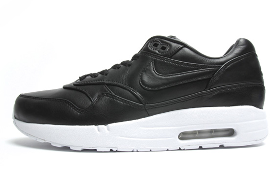 nike air max black leather white sole shoes