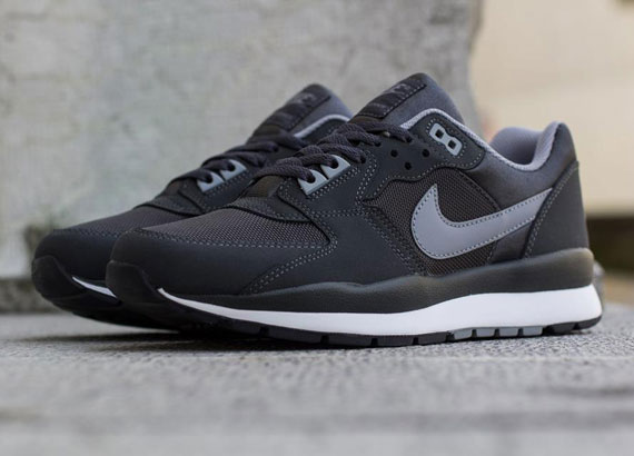 Nike Air Windrunner TR 2 Anthracite Stealth