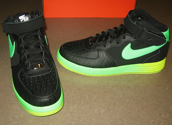 durable modeling Nike Lunar Force 1 Mid quotGlowquot Black Poison Green Volt