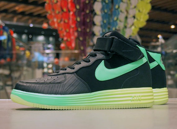 official photos 82361 89df9 Nike Lunar Force 1 Mid LTHR well-wreapped