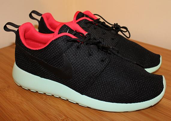 Drama gris Sinis  Nike Roshe Run iD