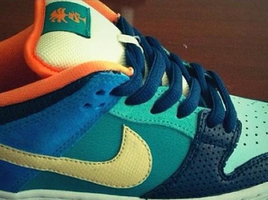 "Nike SB Dunk Low ""Palm Tree"" Sample"