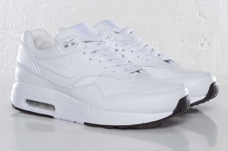 air max 1 all white