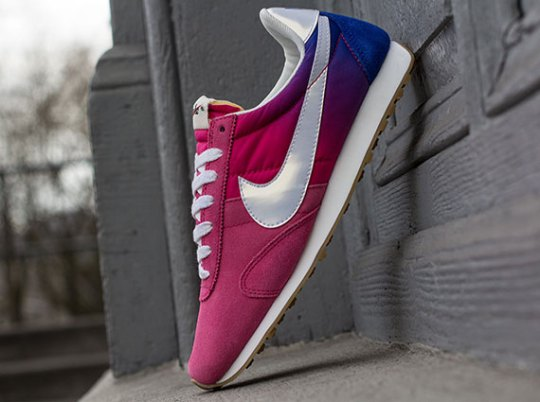 """Nike WMNS Pre Montreal Racer """"Gradient"""" – Pink Force – Hyper Blue"""