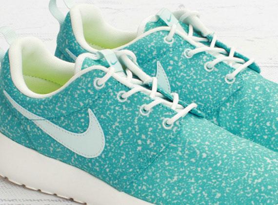 Nike WMNS Roshe Run Speckle Pack - Sport Turquoise - SneakerNews.com