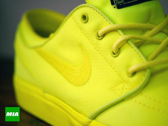 fdd6620c31ef84 Nike Zoom Stefan Janoski Lemon Twist Lemon Twist-Black 333824-770. show  comments