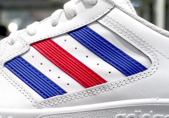 adidas Originals Tennis Court Top – White – Blue – Red