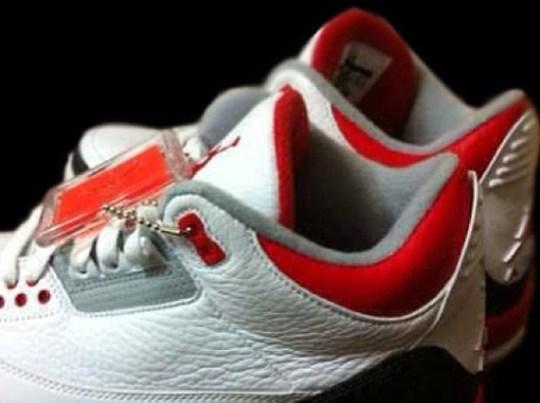 "Air Jordan III ""Fire Red"" 2013 Retro"