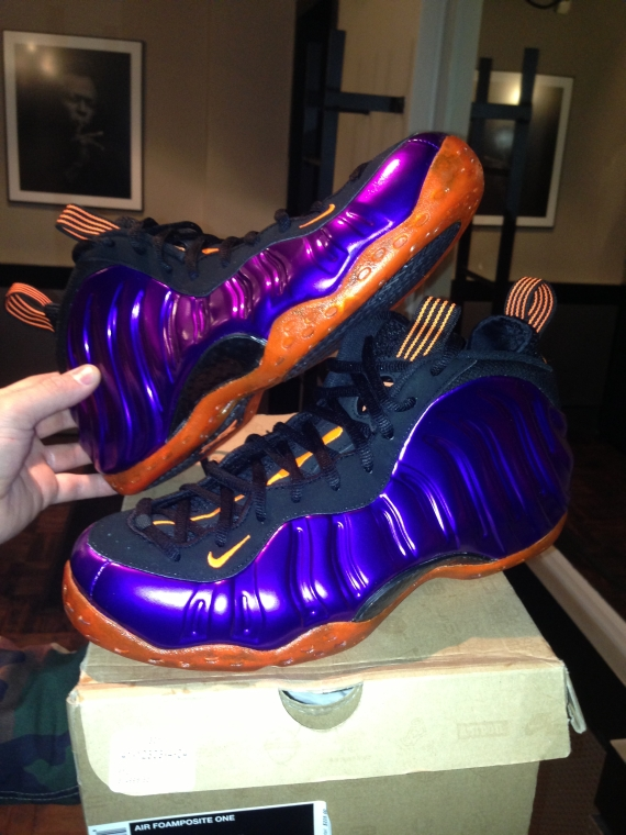c63b58466ad04 hot sale 2017 Busta Rhymes Receives Nike Air Foamposite One Customs by Sole  Swap