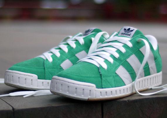 adidas tennis shoes name