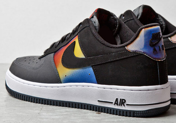competitive price 23a47 8a370 nike air force 1 low hologram