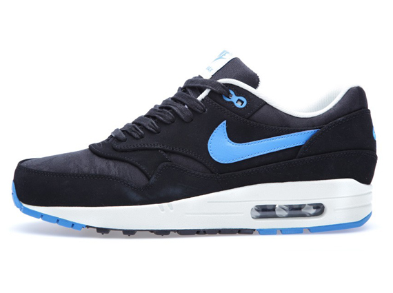 nike air max 1 black white blue