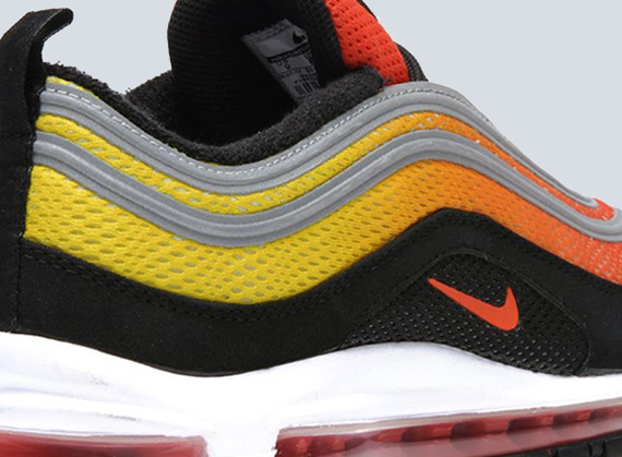 ... spotlights on the 'Sunset' Engineered Mesh pack from Nike Sportswear is  the model that came across the horizon most recently. The Nike Air Max 97  EM ...
