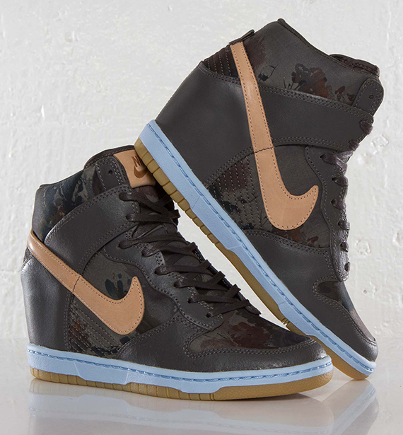 online store 5d820 7d9f3 Liberty x Nike WMNS Dunk Sky High - Midnight Fog - Vachetta Tan -  SneakerNews.com