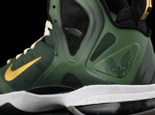 "Nike LeBron 9 Elite ""Master Chief"" by Revive Customs"
