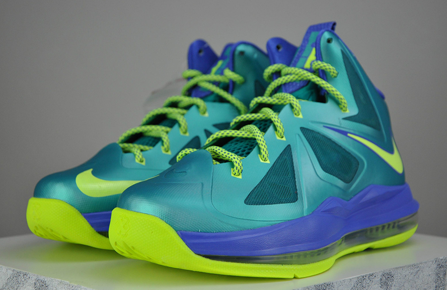 purchase cheap e5678 16d5b Nike LeBron X GS - Sport Turquoise - Volt - SneakerNews.com