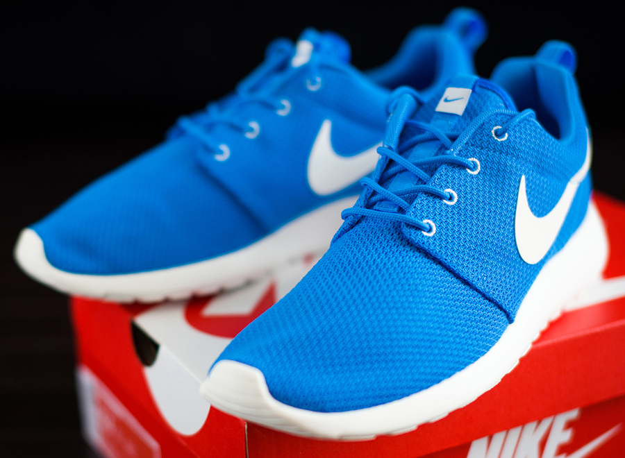 nike-roshe-run-blue-hero-1.jpg