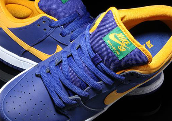 new style 0b0df fa1b9 2009 Nike Dunk Low Blue Gold Sneakers