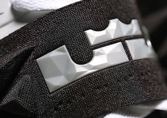 Nike Zoom Soldier VII – White – Black