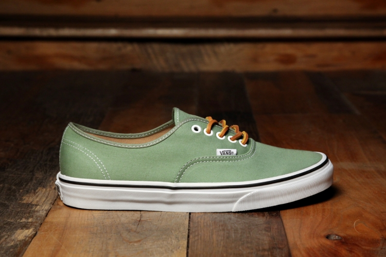 df6f710cbc2610 Vans Authentic