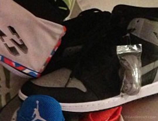 "Air Jordan 1 Retro High OG ""Shadow"""