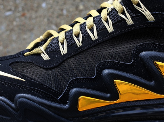 c9b9e4dd3a4b ... with the one currently holding the spotlight being the Nike Air Max 360  Diamond Griff. The shoe is seen here in a black and metallic gold colorway