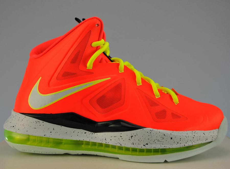 7db228951bf9 Nike LeBron X GS