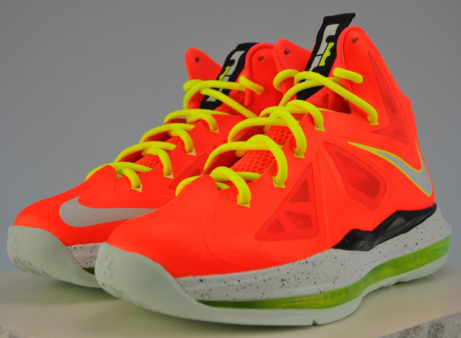 competitive price d79e9 18238 Nike LeBron X GS 543564-800. Advertisement